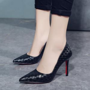 New Europe Sexy Frauen-Schuhe rote untere Absatz-Pumpen-Frühling / Herbst 2019 New Spitz Thin Heels Schuhe auf Schuh-Frauen-Partei-Schuhe T200111