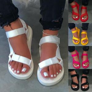 Bayanlar Açık Plaj Terlik 2020 Yeni Kadın İlkbahar / Yaz Yeni Yumuşak Kayma Kaymaz Sandalet Köpük Sole Dayanıklı Sandalet