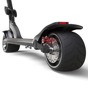 Skateboarding Tragbarer Smart Folding E-Scooter Erwachsener Elektrischer Roller mit 9-Zoll-rutschfester Festreifen