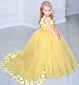 Lovely Kids Birthday Party Dress Yellow V Neck Ball Gown Flower Girls Dresses Girls Pageant Dress With 3D Flowers