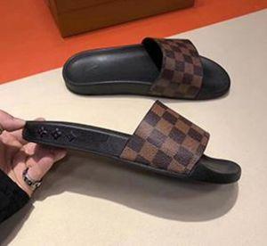 Luxury Designer Mens Womens Summer Pool Slide Sandal in rubber Sandals Beach SlideCasual Slippers Ladies Comfort Shoes Print Leather