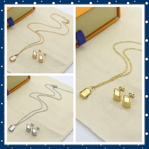 Europe America Fashion Jewelry Sets Lady Women Charity Version Engraved V Initials Lock 18K Gold Necklace Bracelet 3 Color