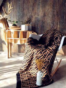 marca de luxo designer cobertor coberta ao ar livre quente capa de almofada xale fronha clássico de espessura sinalização malha F cama cobertor para presentes