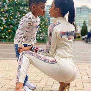 Womens concepteur Survêtements sport Costume Tops Daily et Pantalons Lady Striped Imprimer Femme Automne Hiver Vêtements 2 Tenues Pièces Sport Survêtement