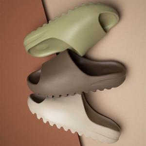 2020 Kanye West Slipper Homens Mulheres crianças Deslize óssea Terra Brown de areia do deserto Deslize Resina Sandals 3D EVA Foam Runner Tamanho Eur32-45