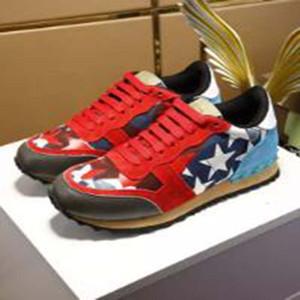 Сетка и кожа Камуфляж Шипованная обувь Combo Stars Rock And Runner Metallic Rock Stud Женщины Мужчины Звезда Шипованная обувь R43