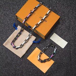 2019 Lanciato nel design di lusso della collana del braccialetto alla moda colorata lettere LOGO collana Chain di marca per gli uomini e le donne regali Festival