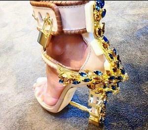 Sandalia Feminina Luxus Metall-Absatz-Kristall-Designer-Schuhe Frau PVC Gladiator Sandalen Padlock Bejeweled Knöchelriemen Strass Sandale
