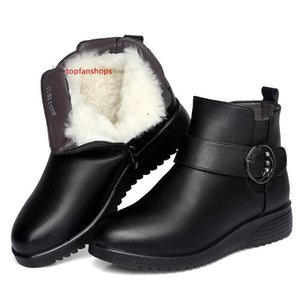 ZXRYXGS Brand Shoes Flat Wedges Warm Wool Snow Boots Women Boots New Metal Rhinestone Winter Real Leather Shoes Ankle 04