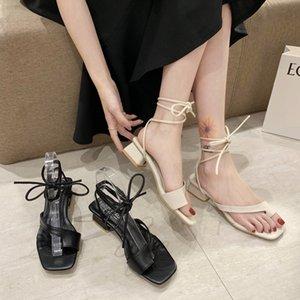 Elegante Cruz Strappy Clipe Toe Sandals Mulheres sapatos de verão Office Black Beige Grosso Heel Gladiator Sandals Mulheres 2020 New
