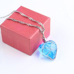 2020 Creative Luminous Heart Crystal Pendant Necklace Charming Necklace Women Fine Jewelry Glow In The Darkness