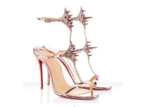 Verão de alto salto vermelho Sandal Sandal Sandal Lady Lady Pik Pik Spikes Sandálias Das Mulheres Vestido de festa de festa 35-42