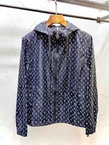 2020 Mens Designer Fashion Hooded Jackets Windbreaker Sportswear New Spring Autumn Casual Jacket Clothing Zipper Collar Printed Slim Jacket