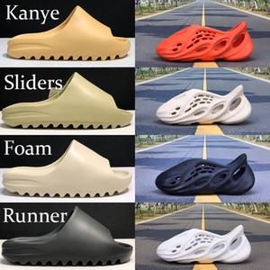 Sapatos confortáveis Kanye fresca de verão espuma corredor deserto de areia terra resina marrom fuligem homens mulheres deslize sandálias triplo preto Ararat vermelho buraco sapato