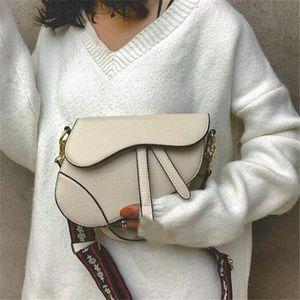 borsa da sella donne superiori Formato della borsa 26cm borsa tracolla Borsello in pelle Con la cinghia di marca borse borsa tote metallo borse ciondolo