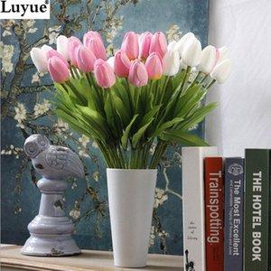 Wholesale-31pcs / porción del tulipán de la flor artificial de PU artificial ramo de flores de toque real para flores decorativas Inicio de boda coronas BVdk #