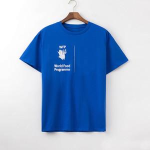 Мода мужская футболка Polos Новое прибытие Мужчины Женщины Высокое качество печати Письмо вскользь коротким рукавом Известный Mens Стилист тройники 3 цвета Chao0075