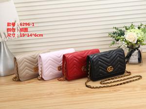 2020 Yeni Bez Debriyaj Çanta Çantalar Omuz Çantaları Messenger okul çantasıGucciGG Lüks tasarımcı Moda Kadınlar Gerçek Deri 11