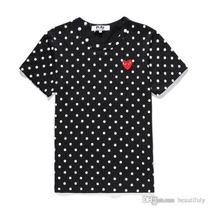 COM Women Men COMMES Tshirt Red With Cotton Short Sleeve Des OFF Holiday Embroidery Heart tee GARCONS White CDG Clothing For Summer