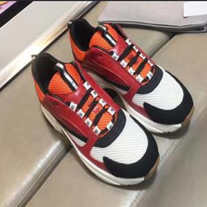 scarpe casual in pelle di qualità più recente versione superiore con la superficie mesh traspirante Con comodo uomini e le donne dei pattini casuali formato 38-45 XK4