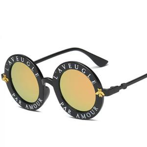 Erkekler Kadınlar Marka Gözlük Tasarımcı Erkek Kadın Yüksek kalite yeni 2020 için İngilizce Harfler küçük arı Güneş Gözlüklü Yuvarlak Moda Güneş gözlükleri