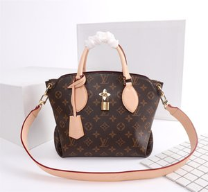 Deisigner shoulder bag for women Chest pack lady Tote chains handbags presbyopic purse messenger bag designer handbags canvas wholesaM44350