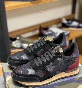 Valentino Camouflage xshfbcl Fashion Lover progettista Rock Stud Sneaker Shoes женщины, мужчины мода Повседневная обувь Rock Runner Trainer квартиры обувь камуфляж кроссовки