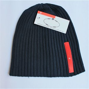 Red Label Warm Knitted Hat Classic Letter Wool Cap Stylish Street Wool Hat INS Unisex Adult Fashion Beanie