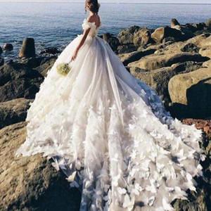 2020 Bola de praia deslumbrante vestido de casamento Vestidos Alças 3D Butterfly apliques vestidos de noiva sem encosto Trem da varredura Puffy vestido de casamento