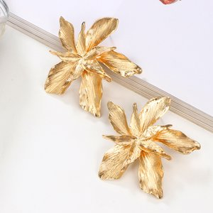 2020 New Earring Exaggeration Fashion Big Flower Dangle Drop Earrings For Women Ladies Statement Earrings Jewelry gold and silver colors hot