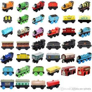 Legno trenini magnetici del giocattolo del fumetto I treni di 40 stili di borsa opp Amici TrainsCar Giocattoli Bus Miglior Natale Thomas modellino bambini giocattoli