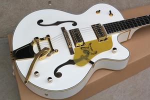 Su ordine all'ingrosso di lusso cinese Jazz Guitar Gretschelectric chitarra 6120 superiore Modello su bianco 181201, concedono Servizio