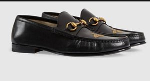 2019 Men Leather loafer with bee Loafers Lace Ups Monk Straps Boots Slippers Drivers Sandals Slides Sneakers Dress Run Shoes