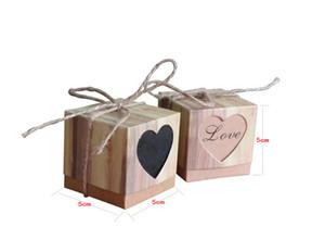 personalidad retro caja de dulces DIY personalizado caja de dulces amor papel kraft caja de dulces hueco en forma de corazón de madera