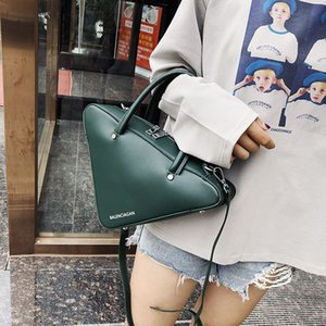 Luxury Designer Bag Personalized bag female new fashion versatile triangle hand bill of lading shoulder crossbody bag