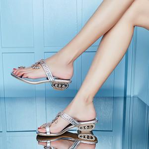 Hot Sale 2020 Luxury Summer Women Sandals Rhinestone Flip Flop Ladies Fashion Beach Slipper Gold Silver Ladies Elegantly Shoes