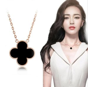 New fashionDesigner Necklaces with Chain Clavicle Chain Clover Pendant Necklace Rose Golden Silver Colors Designer Jewelry for Women Wedding