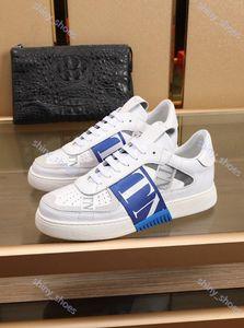 Valentino casual shoes 2020 Mode Hommes Femmes Nouvelle Arrivée VL7N cuir embossé Formateurs Luxe Design Chaussures Noir Whith Suede cuir Sneaker Chaussures Robe 36-45
