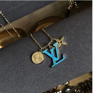 Tiny Gold-Anfangsbuchstabe-Louis-Halskette für Frauen-Edelstahl-A-Z Alphabet Halskette Schmuck Weihnachtsgeschenke Bijoux Femme v