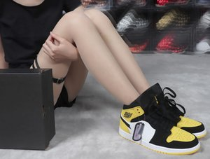 1 Mid Yellow Black Basketball Shoes 852542 071 BLACK sneaker designer track shoes Sneakers womens designer women tennis shoes paris