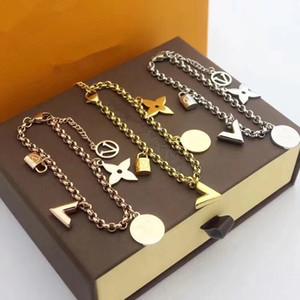 La vendita calda europea e la Nuova L lettere americana della moda guscio uomini e donne braccialetto in acciaio 316L titanio lettera V braccialetto regalo di Natale