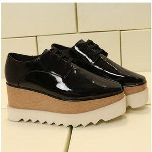 2019 Heißer Verkauf! Stella Mccartney Frauen Stern-Plattform-Schuhe Top-Qualität Kalbsleder echtes Leder 7cm Keil Oxfords Elyse Turnschuhe mn012