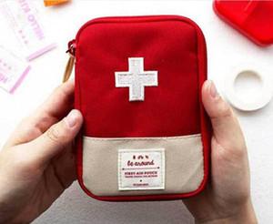 Открытый Спорт Путешествия Первая помощь сумка Портативный чрезвычайным выживания сумка Mini Family First Aid Kit Автомобильные аптечки Главная медицинская сумка 15 * 10.5cm
