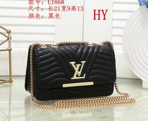 Luxury Classic Love Heart V Wave Pattern Satchel Chain Bags Key Chain Real Leather Designer Crossbody Shoulder Bag Purse Messenger Handbag