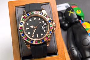 2020 40 mm Reloj de hombres de alta calidad Movimiento mecánico automático Correa negra Soporte duro Diamante Moda de lujo Boutique Reloj