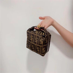 2020 женская мода Ковш сумка высокого качества из натуральной кожи сумки на ремне, Классический Fendi Crossbody сумки Lady сумки