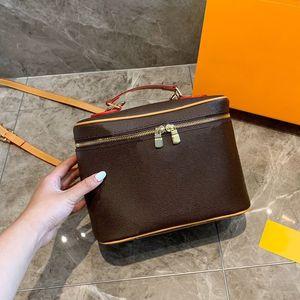 A pack of multi-purpose Classic printing designer luxury handbags purses Cosmetic bag Genuine leather large capacity designer crossbody bag