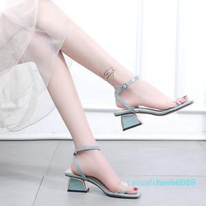 Sexy2019 Mulher Joker Sandals Em Grosseiro Com Transparente Voltar cruzando uma Buckle Traga Fada Roma c09 Shoe l16