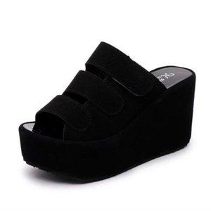 2020 yazında yeni moda vahşi terlik kadın kalın alt kama süet beden sandalet ve terlik