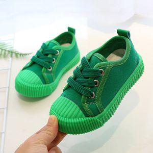 2020 zapatos del tablero Diseñador Niño Nuevos niños del color sólido de los zapatos ocasionales Niños y niñas de diseño en las zapatillas de deporte al aire libre respirable-zapato zapatos de lona de los muchachos